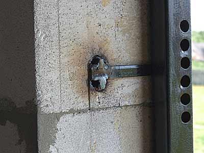 Установка входных дверей в пеноблок своими руками